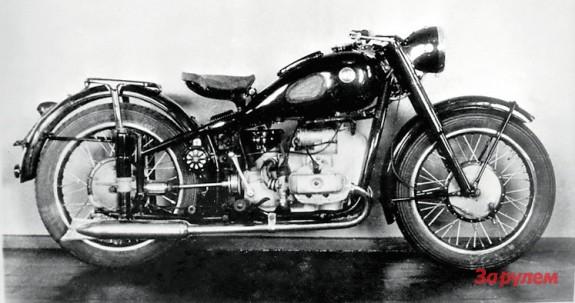 Редкая фотография мотоцикла Урал М-52