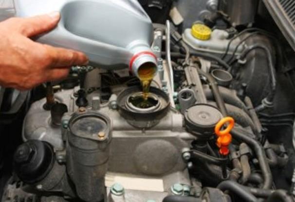 Фото замены масла в автомобили