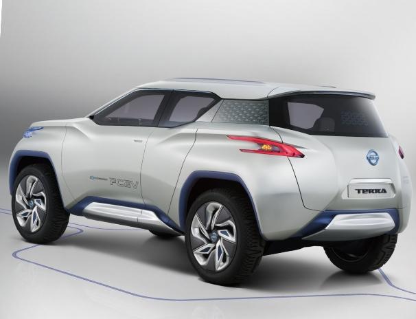 Вид с боку Nissan TeRRA
